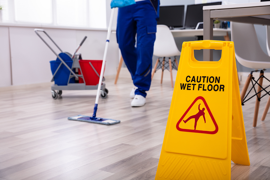 commercial maintenance and cleaning services